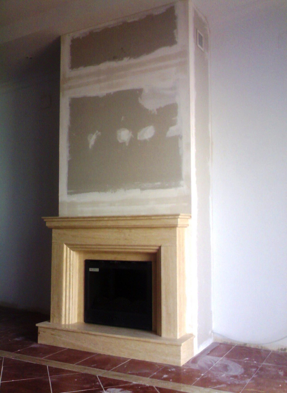 Modulo de pladur de frente con frontal de marmol.