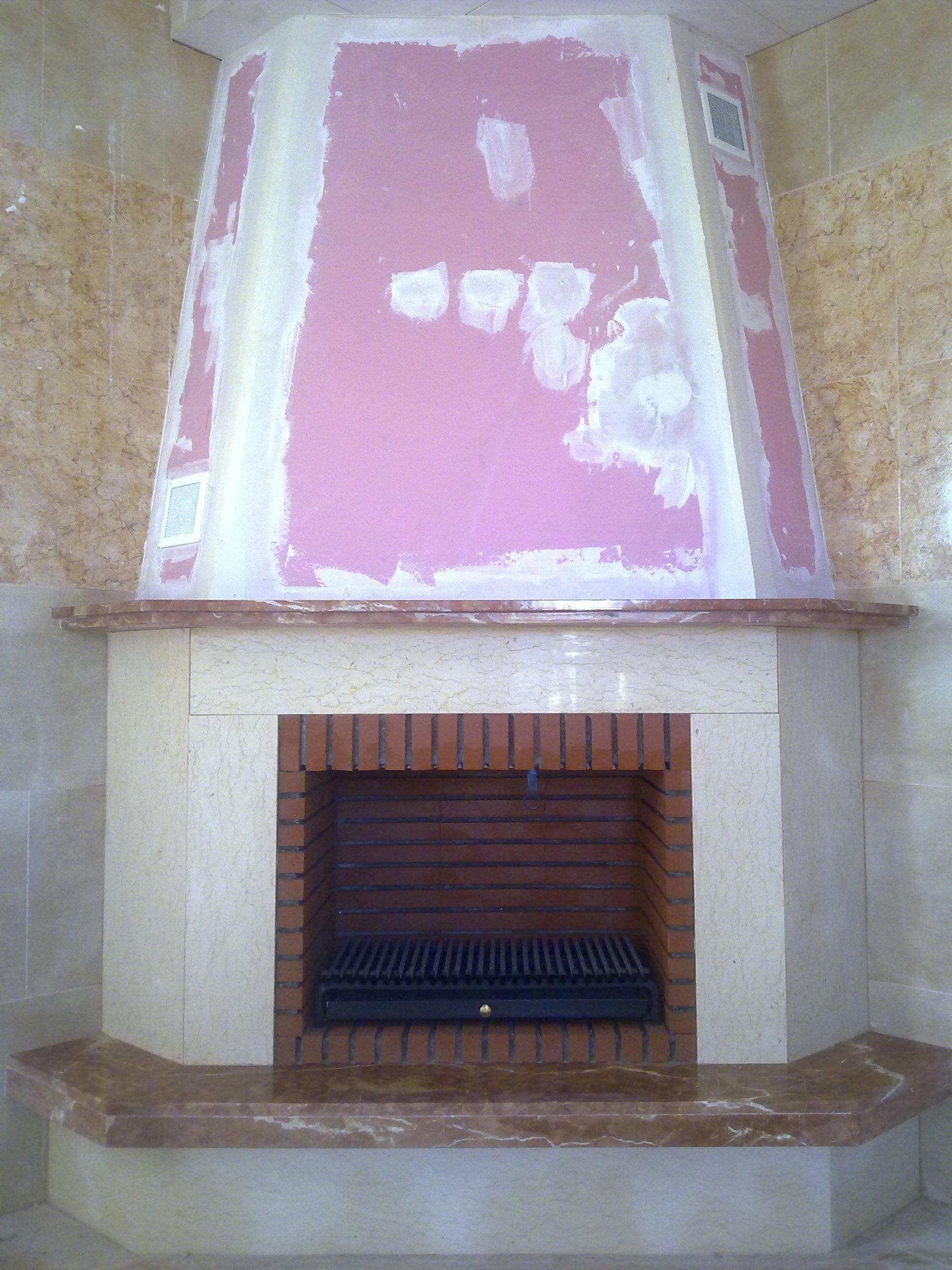 Revestimiento en marmol crema marfil modelo Valira.PVP620€