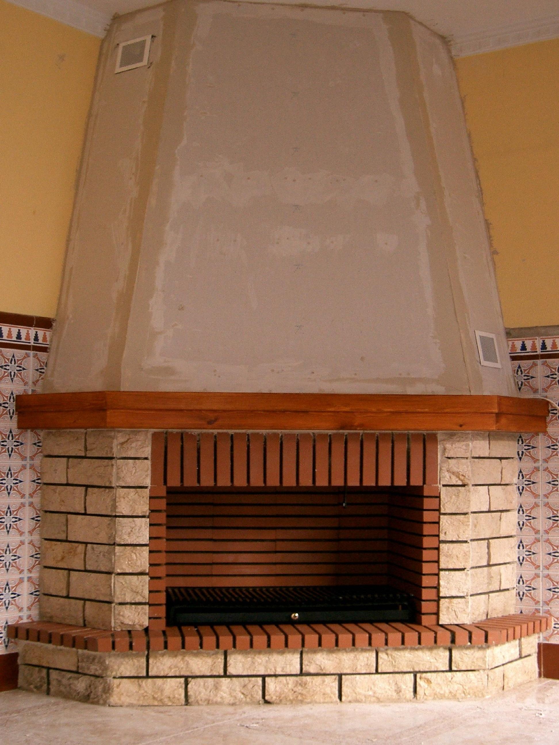Revestimiento en marmol escarfilado mod. Robledo rincón.PVP.840€.